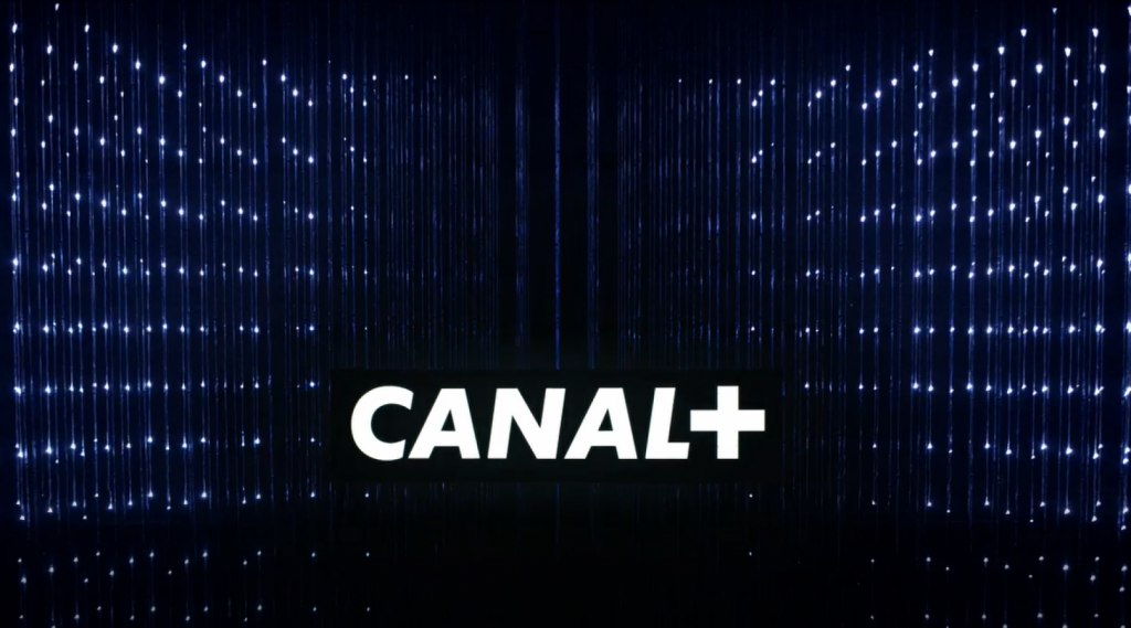 Moving logo Canal +